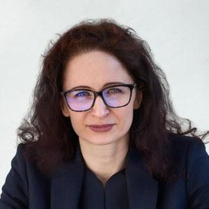 Porträtfoto Rechtsanwältin Berna Behmoaram